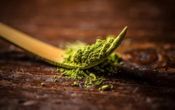 Matcha powder - an alternative to coffee.